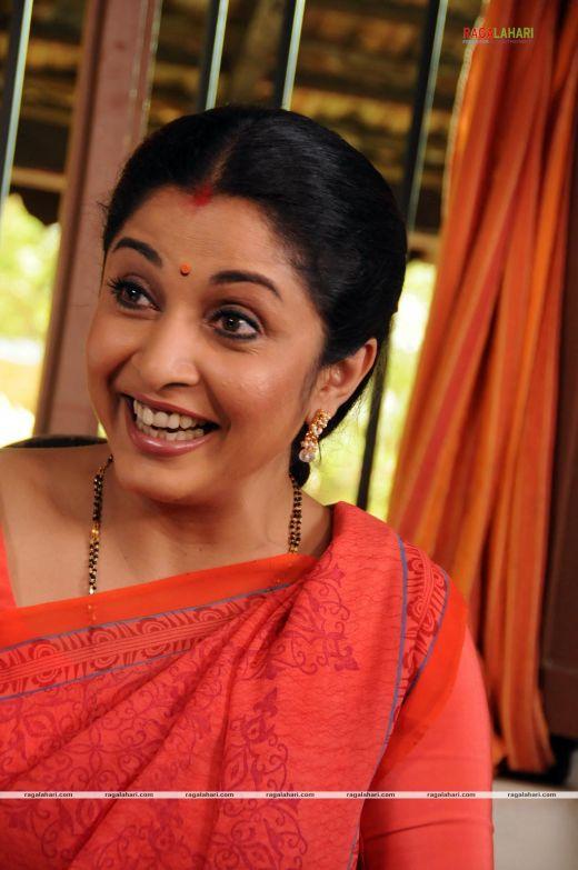 images for ramya krishnan wallpapers 2011  u00ab isexiiindia